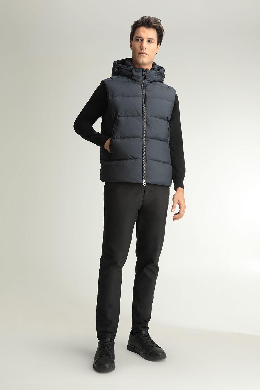 Arthur blue vest